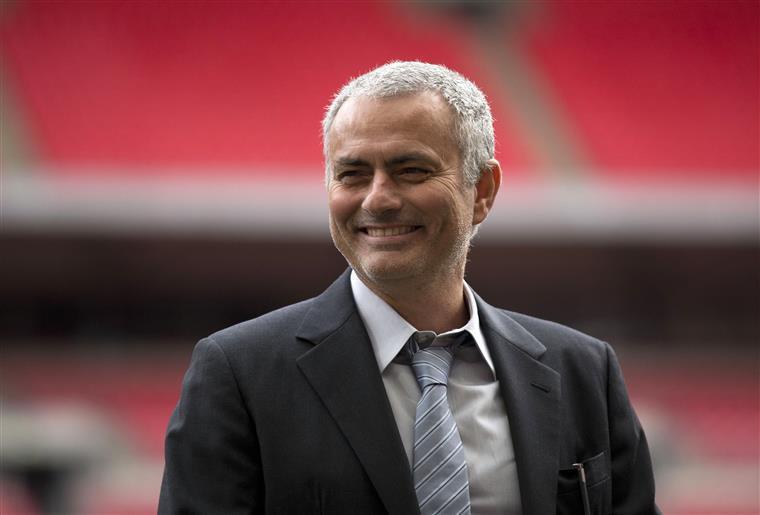 """Mourinho: """"City? Eles também levaram quatro"""""""