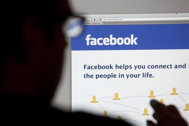 Estudo. Sair do Facebook deixa as pessoas mais felizes