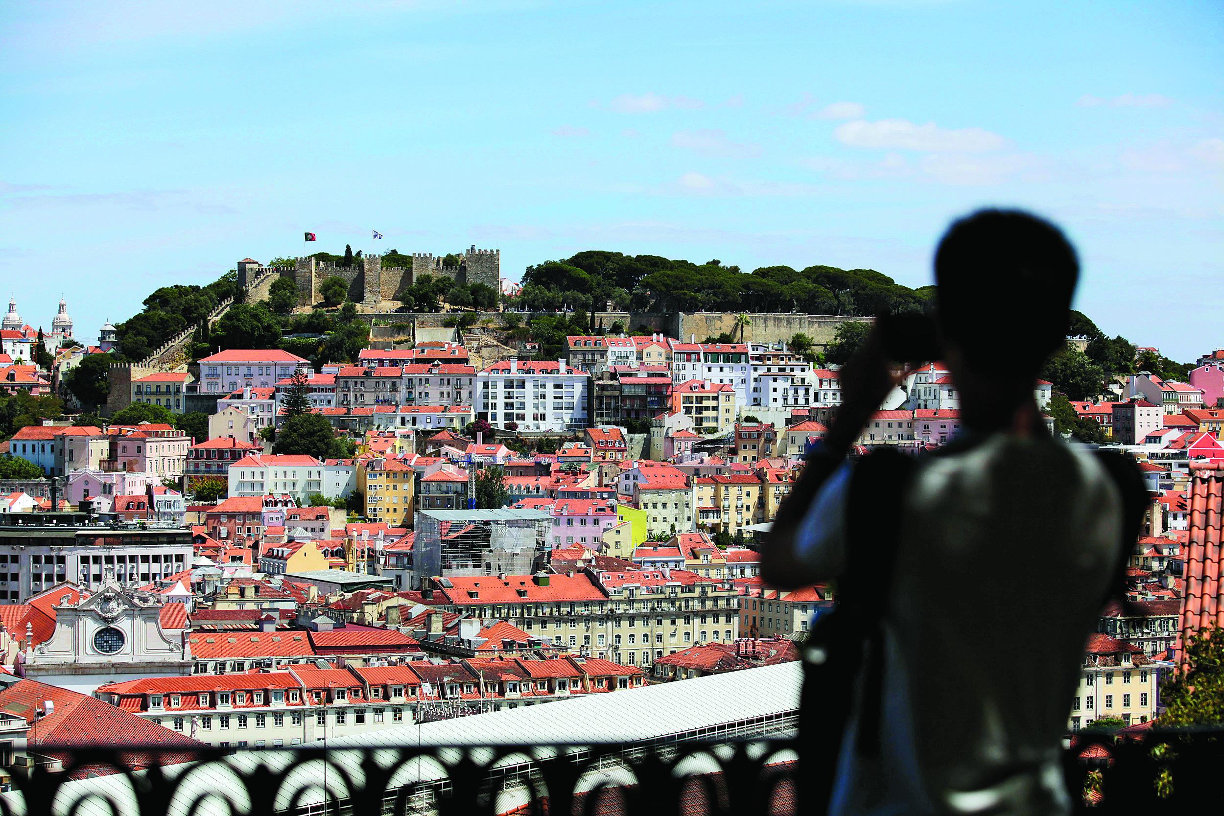 Vizinhos podem travar AirBnb? Em Lisboa sim. No Porto não