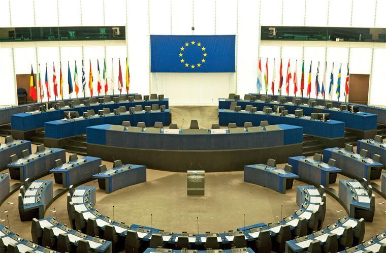 Estudo. Portugueses desconfiam das instituições nacionais e internacionais