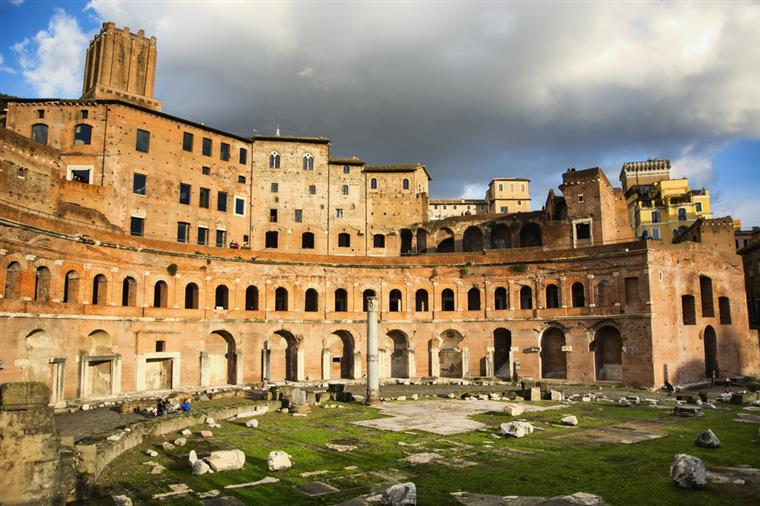 Itália. Jovens recebem 500 euros para gastar em cultura