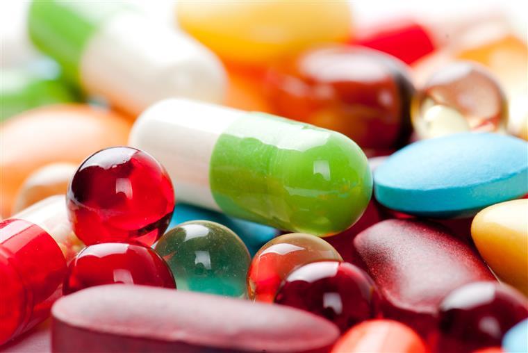 Infarmed alerta para riscos de abusar de medicamentos para a azia