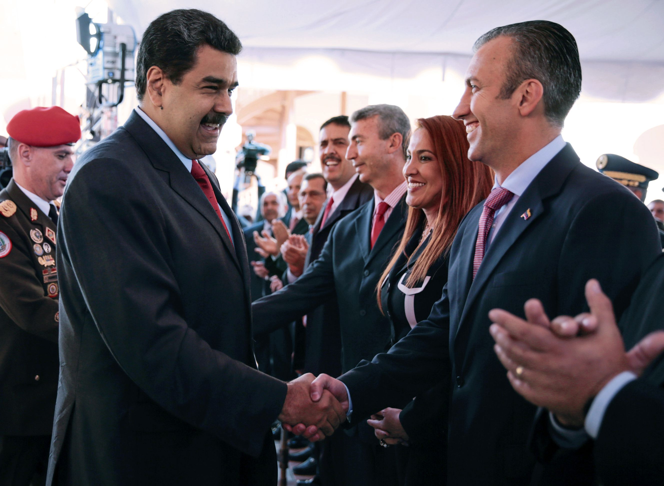 Maduro nomeia novo ministro do Petróleo na Venezuela