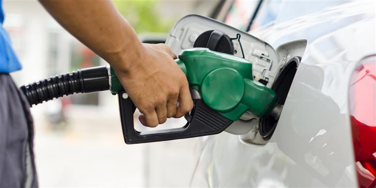 Combustíveis. Gasóleo sobe, mas gasolina desce já a partir de segunda