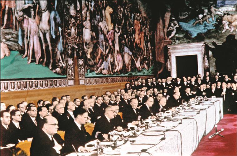 Europa forçada a refletir em dia de aniversário