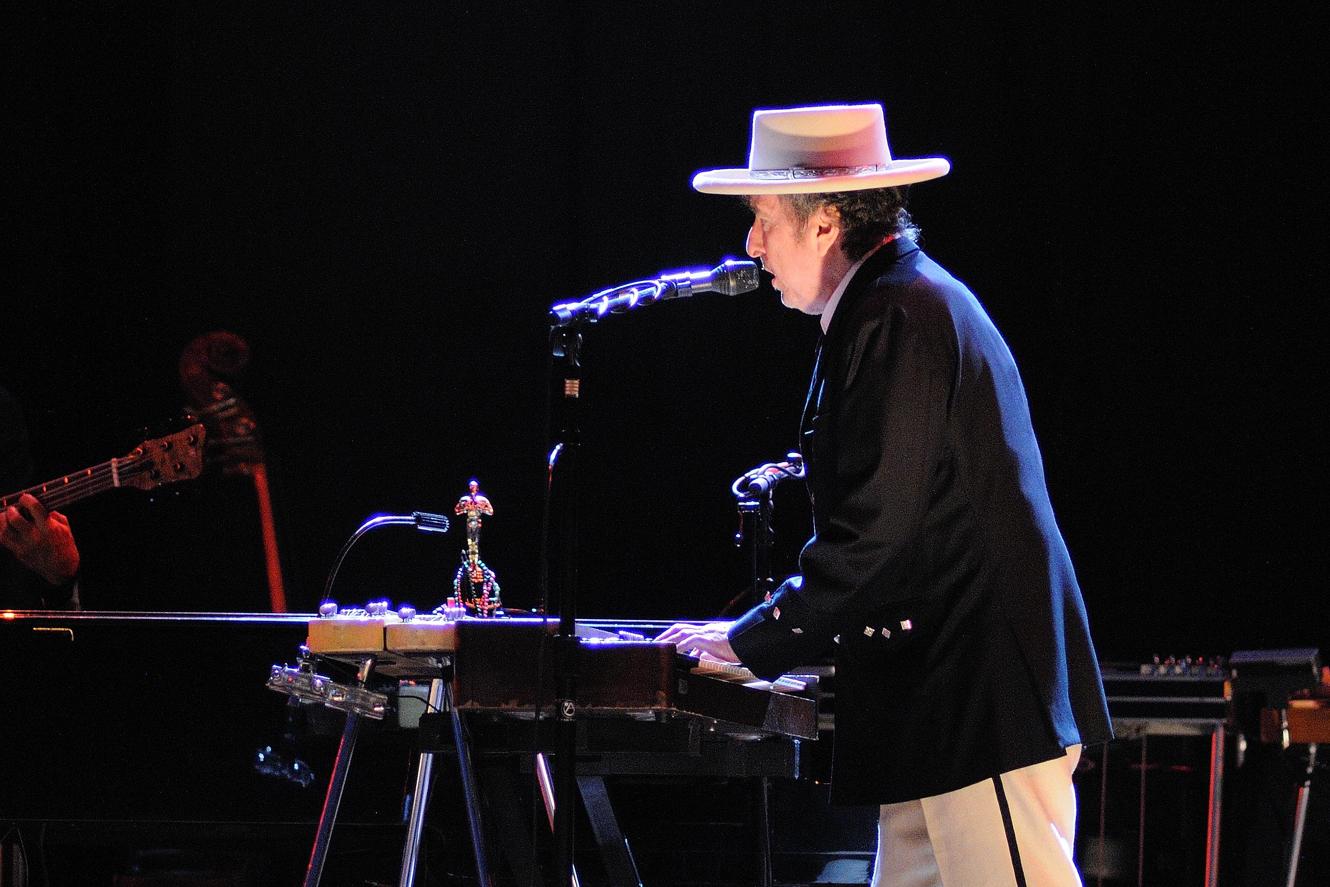 Cantor receberá o Nobel de Literatura neste final de semana — Bob Dylan