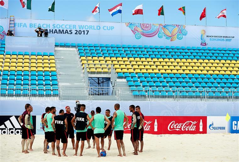 Portugal estreia-se amanhã no Campeonato do Mundo de futebol de praia
