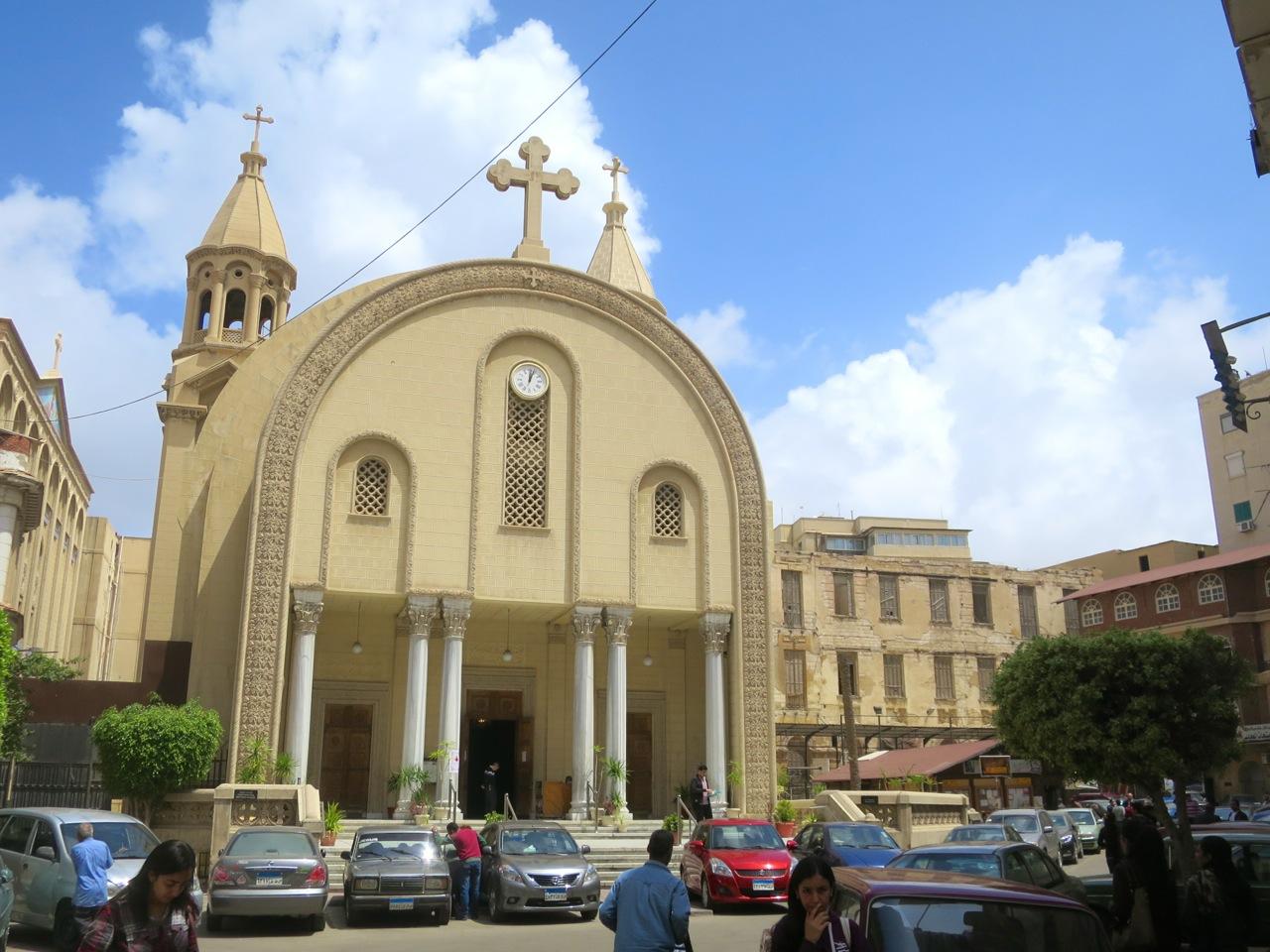 Papa condena ataque a igreja cristã copta no Egito