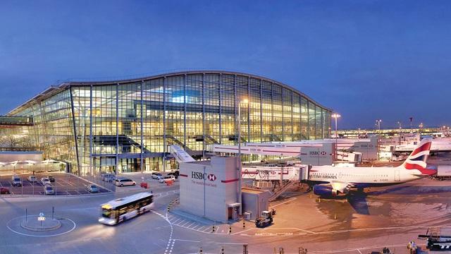 Aeroporto de Londres suspende alguns voos por